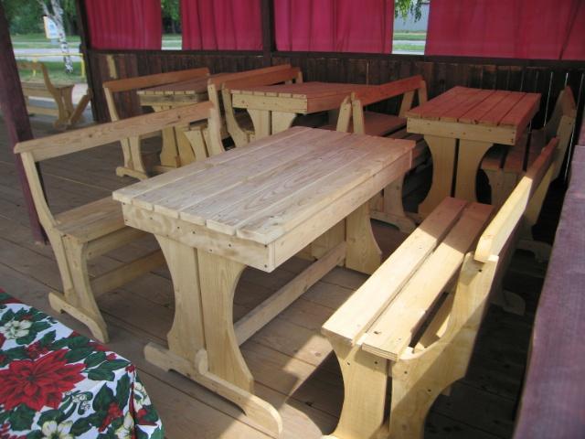 Мебель для кафе из натурального дерева